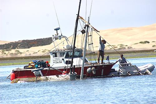 Salvaging the sunken ship